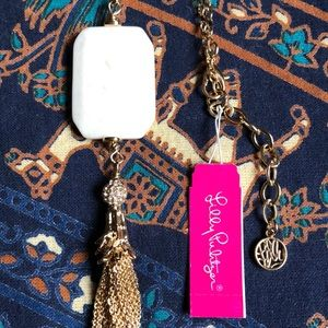 🌞🎁Elegant NWT Tassel Necklace With Rhinestones!